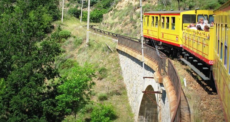 Le départ du train jaune se fait de villefranche de conflent