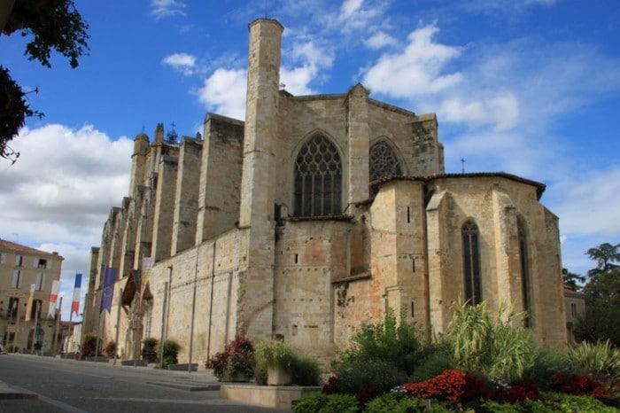 Cathédrale Saint Pierre à Condom dans le Gers