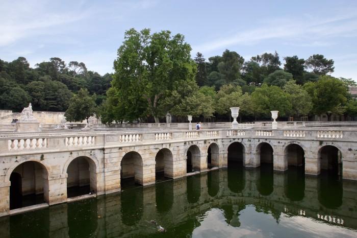 Le jardin de la fontaine à Nimes