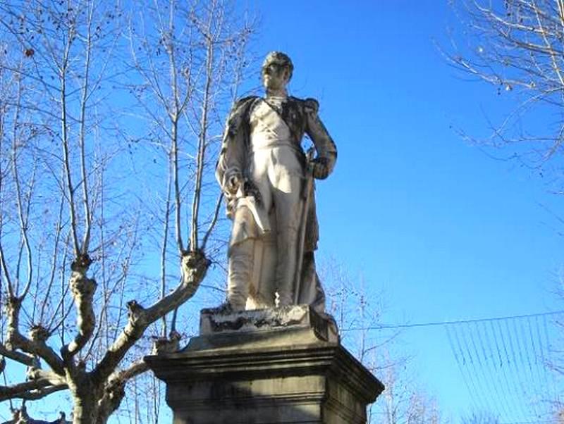 statue à Muret